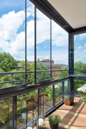 Balkonverglasungen mit Aluminium-Profil