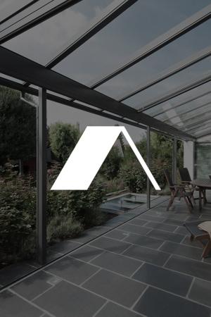 Ein Terrassendach bietet zuverlässigen Schutz